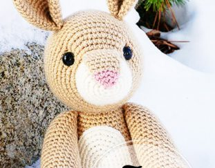 rose-the-rabbit-patron-de-amigurumi-gratis