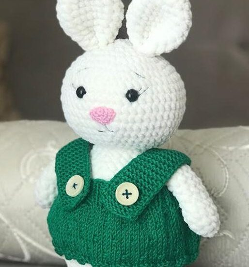 Conejo blanco de peluche Amigurumi Patrón Gratis