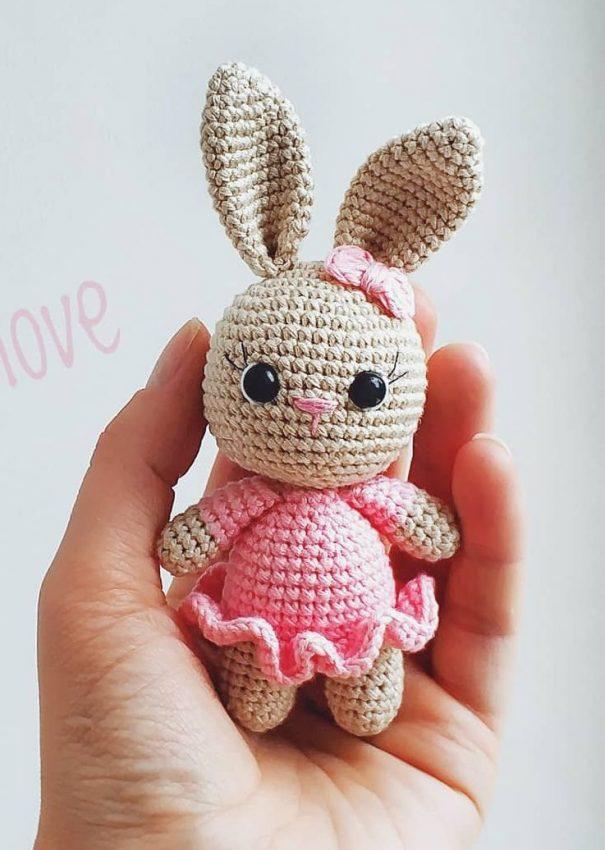 Conejo Rosa Amigurumi Patrón Gratis